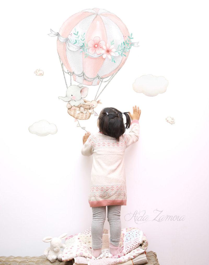 Vinilo infantil de tela Elefante y Conejo en Globo Rosa con niña