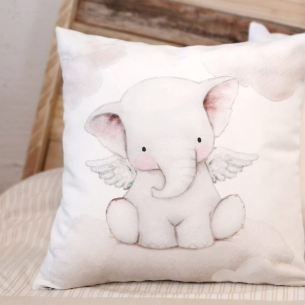 Cojín infantil Elefante con Alas detalle